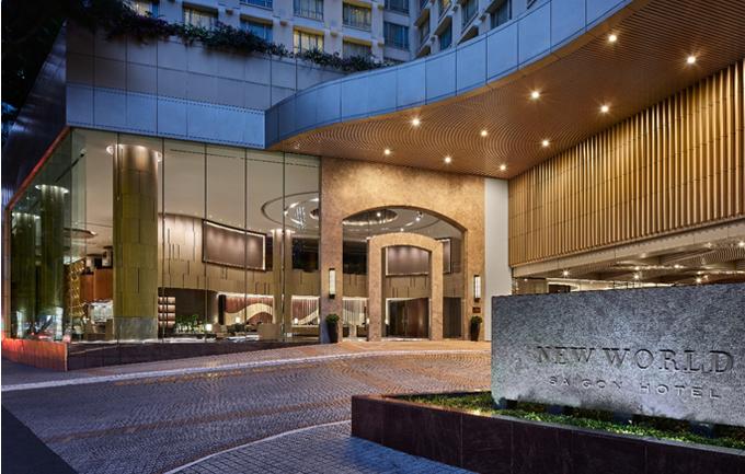 Trong tâm trí của nhiều người dân ở thành phố mang tên Bác, New World Sài Gòn là một trong những khách sạn 5 sao lâu đời nhất. Chính thức mở cửa vào năm 1994, suốt 25 năm, trải qua nhiều năm thăng trầm và phát triển, hòa vào dòng chảy thời đại, New World vẫn nằm trong top những khách sạn đẳng cấp của Sài Gòn. Khách sạnkhông ngừng nâng cao cơ sở vật chất, đảm bảo trải nghiệm ấn tượng cho du khách.
