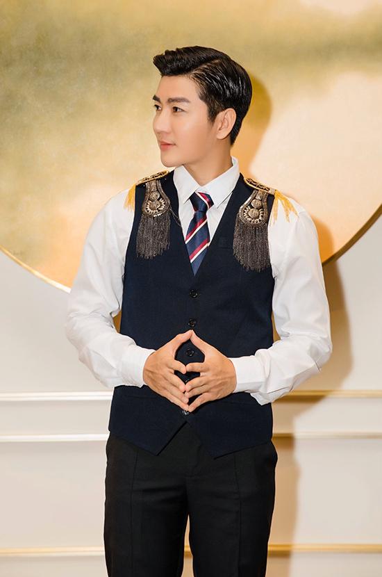 Chia sẻ về những kế hoạch đầu năm mới, Nam Hee cho biết anh tiếp tục tham gia các show của VTV và rất vinh dự khi đảm nhận vai trò MC thảm đỏ cho Ngôi sao của năm 2019 sẽ tổ chức vào ngày 15/1 tại TP HCM.