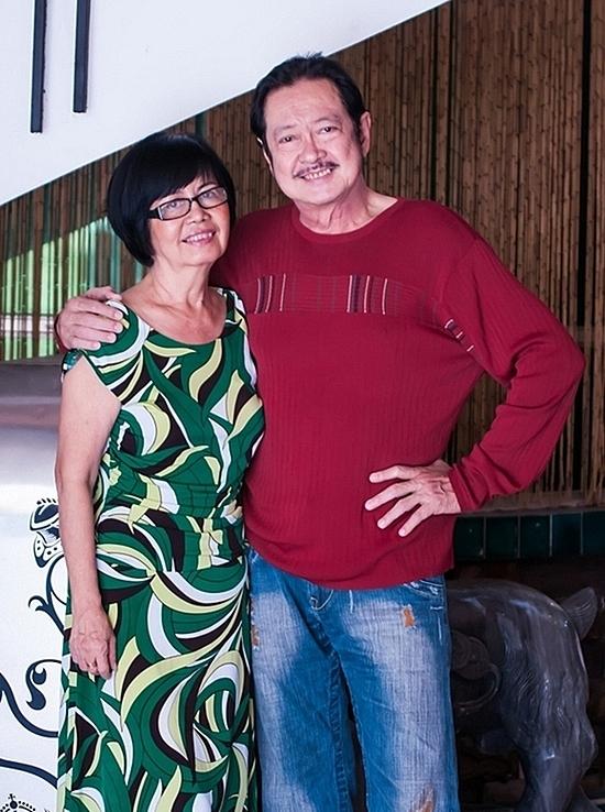 Vợ chồng diễn viên Chánh Tín - ca sĩ Bích Trâm.