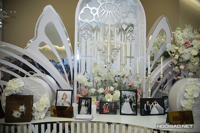 Concept tiệc cưới của cặp vợ chồng được lấy cảm hứng từ những cánh bướm chao liệng trong khu vườn hoa xuân.