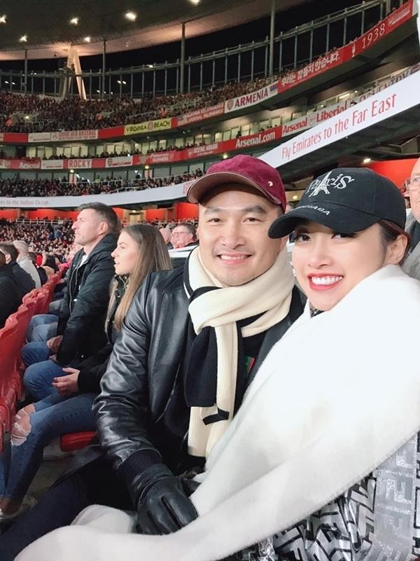 Ở tuổi 47, Chi Bảo còn rất trẻ trung, phong độ. Anh và người đẹp Lý Thuỳ Chang hạnh phúc tận hưởng kỳ nghỉ ở châu Âu hồi tháng 10 năm ngoái.