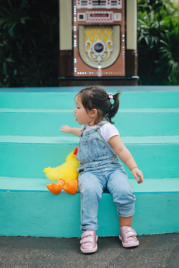 Mới hơn 1 tuổi nhưng Myla đã được bố mẹ đưa đi nhiều nơi trên thế giới.