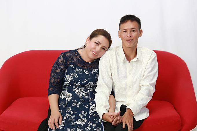 Vợ chồng Dương Hồng - Phương Thành hạnh phúc suốt 18 năm bên nhau. Cả hai đã kể lại câu chuyện cuộc đời mình trong chương trình Mảnh Ghép Hoàn Hảo phát sónglúc 21h35 hôm nayngày 05/01/2020 trên VTV9.