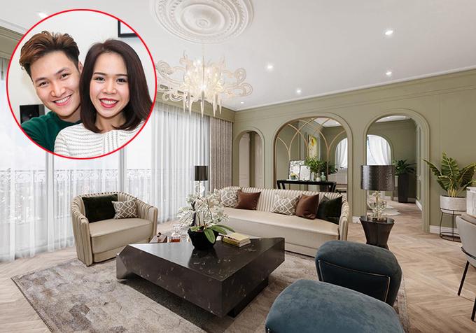 Dù đang sống ở một căn hộ cao cấp, diễn viên Mạnh Trườngquyết định mua thêmmột căn hộ kháclàm quà tặng vợ. Điều khiến anh yêu thích của nơi ở mới là thiết kế hợp lý, phòng khách rộng rãi thích hợp cho gia đình sinh hoạt chung.