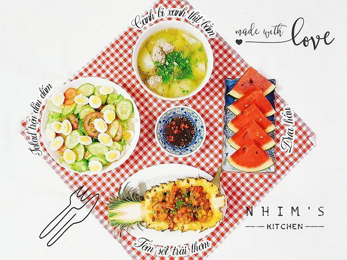 Tùy vào mức độ cầu kỳ của mỗi bữa ăn, Thu Hiền thường mất khoảng 45 phút đến một tiếng để hoàn thành.