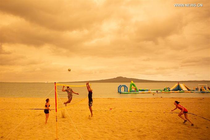 Mission Bay nổi tiếng với làn nước biển xanh trong, bờ cát trắng mịn cùng các khu resort cao cấp, đẳng cấp thế giới. Nhưng vào tuần đầu tiên của năm mới, nơi này