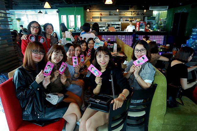 Nhiều bạn trẻ ở Quảng Ninh, Bắc Giang... cũng lên Hà Nội để tham dự chương trình.