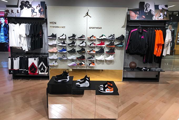 Các fan của Jordan và bóng rổ sẽ được trải nghiệm một khu vực riêng với những sản phẩm mới nhất.
