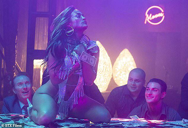 J.Lo trong phim Hustlers.