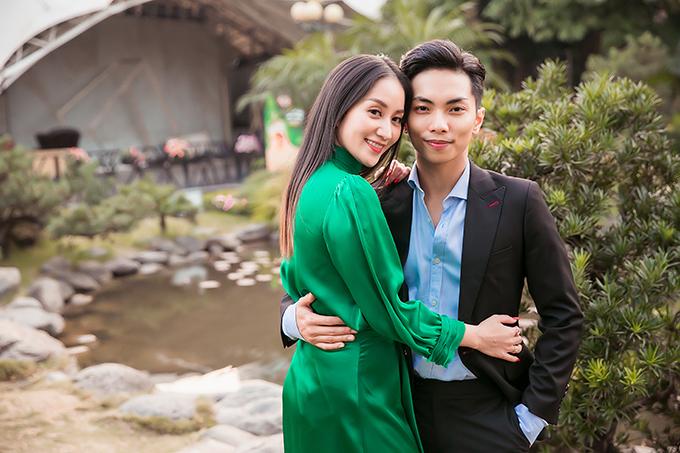 Khánh Thi và ông xã Phan Hiển.