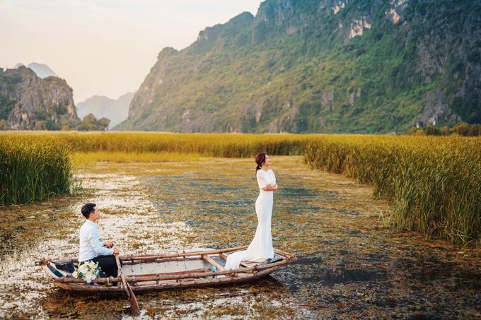 Ý tưởng của bộ ảnh đến một cách tình cờ khi cô dâu thấy một bộ hình khác được chụp ở Ninh Bình. Gần như ngay lập tức, Trà My bị chinh phục bởi cảnh quan, không gian thiên nhiên nơi đây.