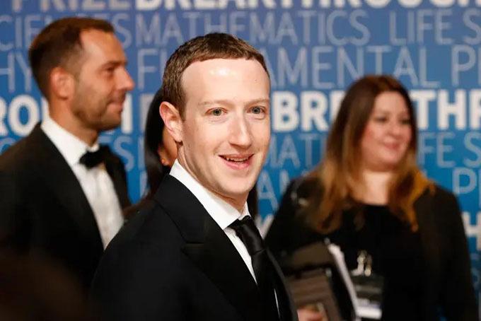 Tổng tài sản: 79,4 tỷ USDTài sản tăng thêm năm 2019: 27,4 tỷ USD.Mạng xã hội lớn nhất thế giới Facebook dành phần lớn thời gian của năm 2019 để chống lại những tin tức bất lợi về công ty, liên quan đến những vấn đề như quảng cáo chính trị, không kiểm soát chặt những nội dung thù ghét, và thế chiếm lĩnh thị trường. Tuy nhiên, không vì thế mà kết quả kinh doanh của Facebook đi xuống. Cổ phiếu Facebook tăng giá 45% trong 2019, và cổ đông lớn nhất của Facebook là nhà sáng lập Mark Zuckerberg cũng là người hưởng lợi nhiều nhất.