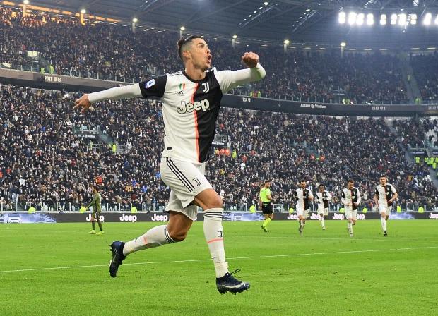 Ba bàn thắng của C. Ronaldo đều diễn ra trong hiệp hai, xen giữa là pha lập công của Higuain.