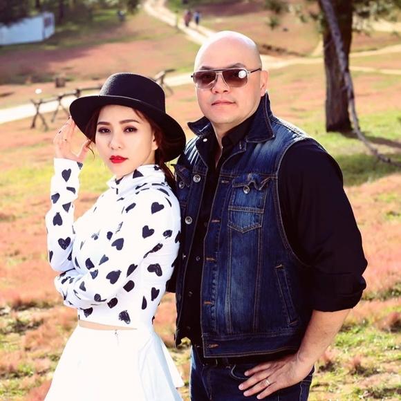 Hoàng Oanh và ông xã hơn cô 13 tuổi.