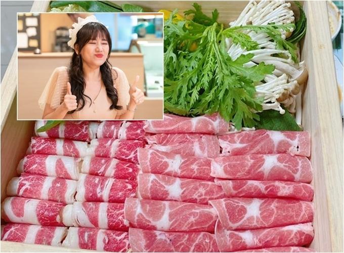 Hariwon ăn món hấp đang nổi ở Hàn Quốc