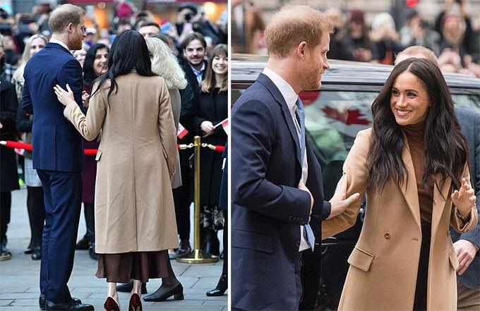 Meghan và chồng, Hoàng tử Harry, luôn thể hiện tình cảm mọi nơi mọi lúc. Nữ công tước xứ Sussex liên tục đưa tay chạm vào lưng và cánh tay chồng trước mặt đám đông.