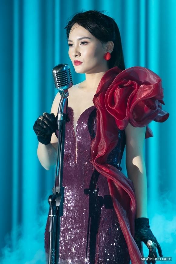 Bảo Thanh hát trong sự kiện.
