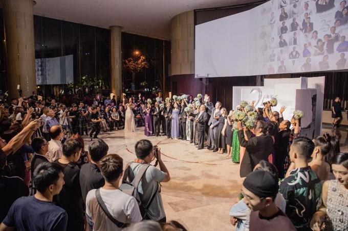 Tại sự kiện, khách sạn New World Sài Gòn vinh danh 42 cá nhân có công cống hiến với khách sạn trong suốt 25 năm qua.