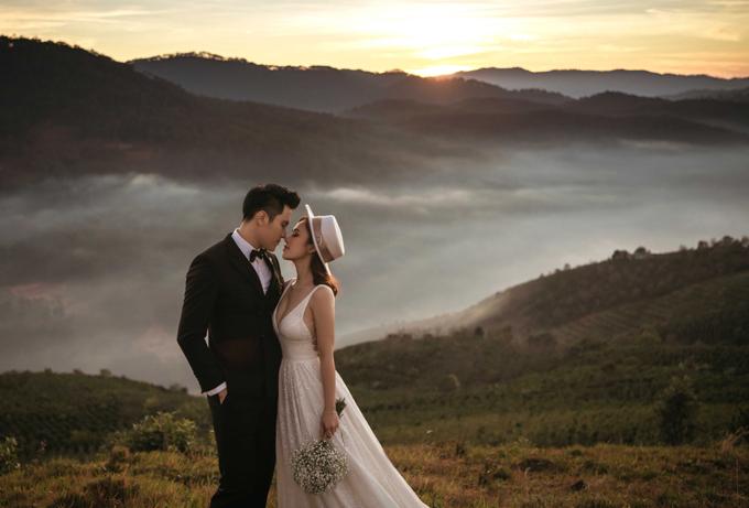 Vợ chồng Minh Anh chọn Đà Lạt làm nơi chụp ảnh cưới vì thành phố sương mù ghi dấu nhiều kỷ niệm của họ trong 2 năm yêu nhau.