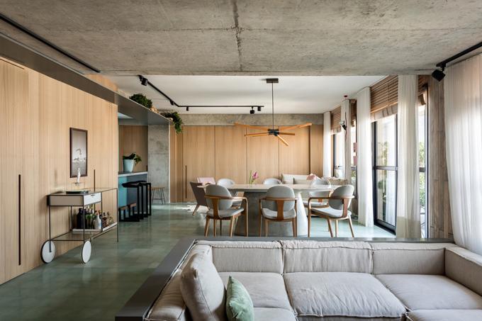 Chủ của căn hộ là một doanh nhân đến từ Vila Madalena, Sao Paulo, Brazil. Gia chủ muốn biến căn hộ diện tích 130 m2 thành không gian sống hiện đại, trẻ trung và độc đáo. Gia chủ sẵn sàng đầu tư cho một cuộc cách mạng lớn để thay đổi diện mạo của căn nhà.