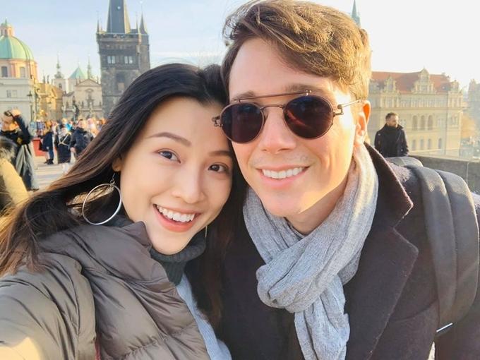 Vợ chồng Hoàng Oanh du lịch châu Âu.