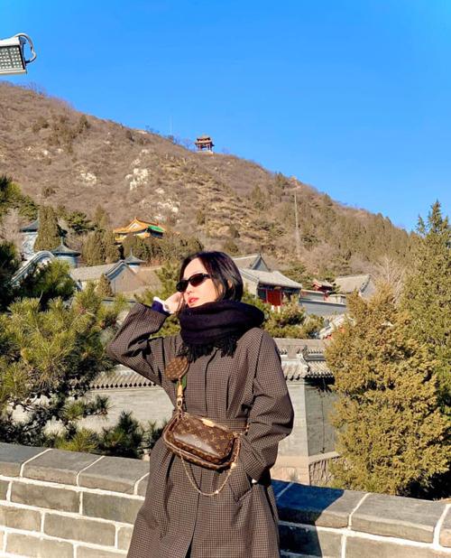 Diệu Nhi oằn mình chụp ảnh khi du lịch Trung Quốc - 2