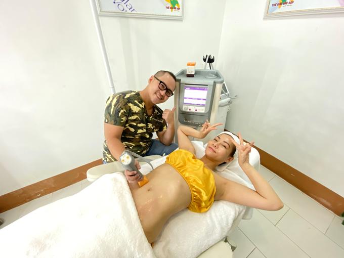 Thu Minh thường xuyên gặp Bác sĩ Trị để được tư vấn và chăm sóc sắc đẹp