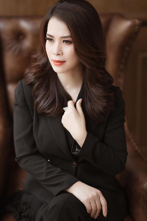 Ý Lan hoạt động trong lĩnh vực làm đẹp, hiện là chủ của một spa ở Hà Nội.
