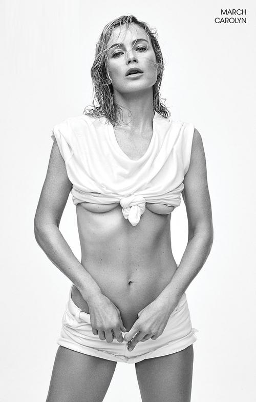 Người mẫu kiêm diễn viên Carolyn Murphy vẫn quyến rũ ở tuổi 45.