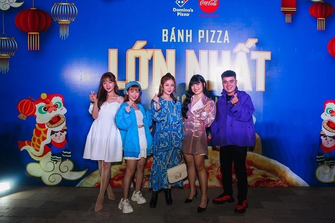 Ngoài Khánh Vân, sự kiện còn có sự góp mặt của dàn diễn viên trẻ gồm:Ribi Sachi (tên thật: Nguyễn Thị Thủy), Lan Hương, Thúy Kiều, Chính Nghĩa.