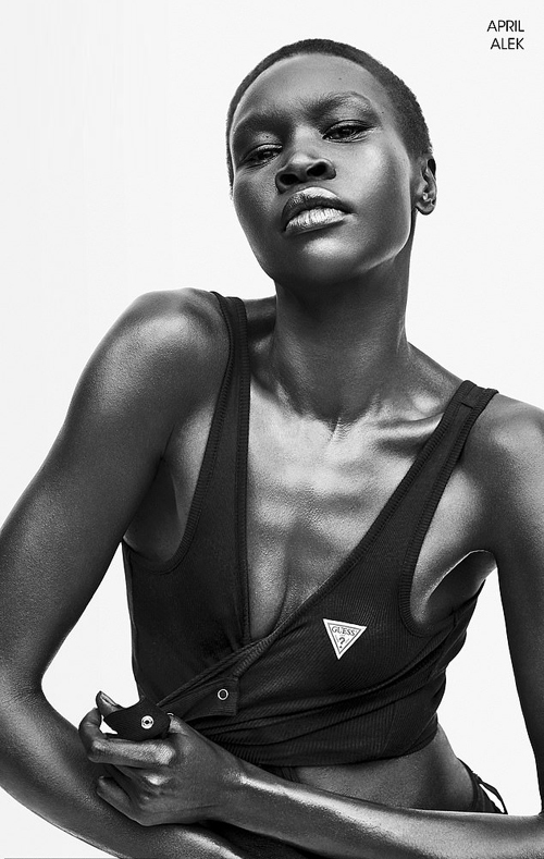 Siêu mẫu 24 tuổi người Nam Sudan, Alek Wek.