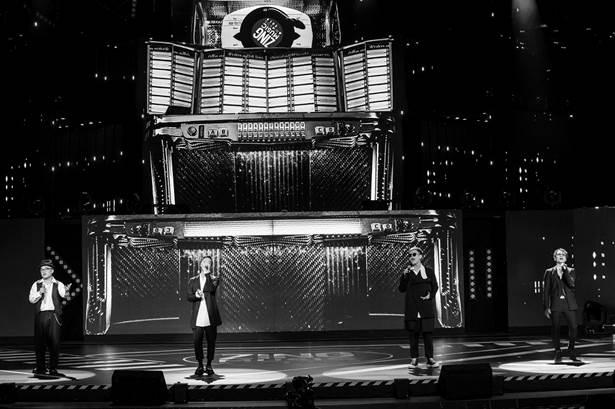 Sân khấu Zing Music Awards 2019 được dàn dựng công phu - 8