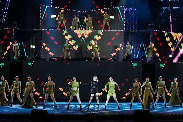 Sân khấu Zing Music Awards 2019 được dàn dựng công phu - 9