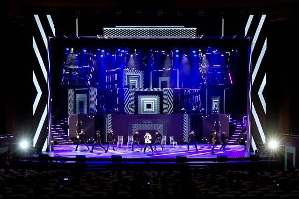 Sân khấu Zing Music Awards 2019 được dàn dựng công phu - 13