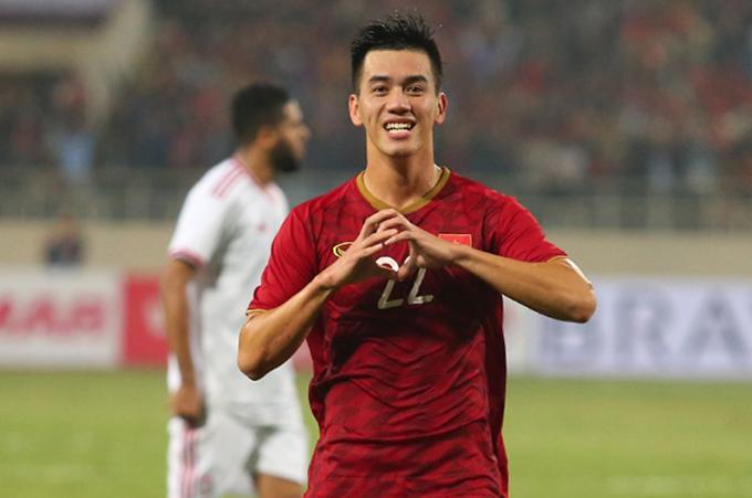 Tiến Linh mừng siêu phẩm vào lưới tuyển UAE hồi tháng 11/2019. Ảnh: Đương Phạm.