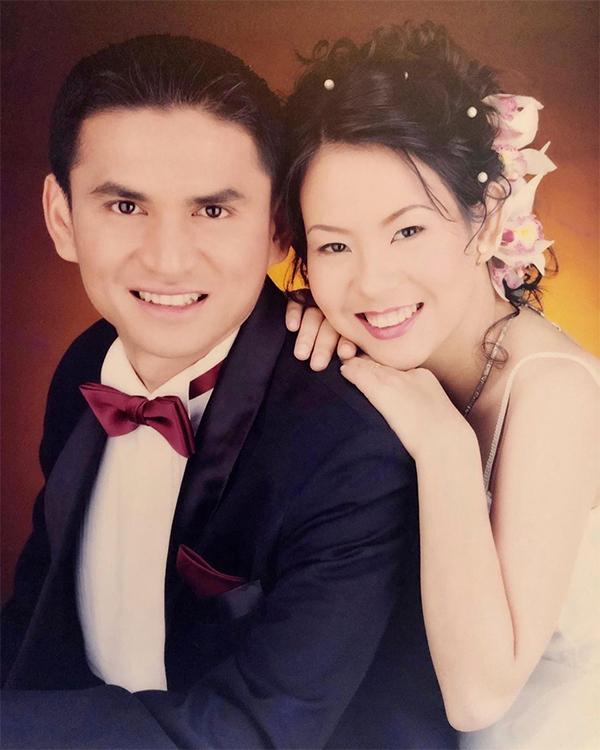 Kiatisuk đăng ảnh kỷ niệm 18 năm ngày cưới. Ảnh: Instagram.