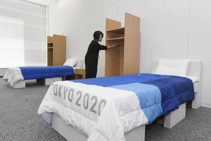 Những chiếc giường đặc biệt hưởng ứng phong trào bảo vệ môi trường và quản lý nguồn tài nguyên được giới thiệu tại một cuộc họp báo ở Tokyo, Nhật Bản, hôm 9/1.