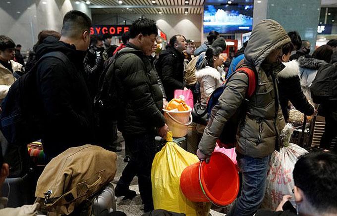 Năm nay, các nhà chức trách sẽ sử dụng hệ thống nhận diện bằng khuôn mặt đang phát triển nhanh ở Trung Quốc nhằm giúp đẩy nhanh khâu kiểm tra an ninh và kiểm tra vé tại các ga tàu, trạm dừng xe buýt, sân bay và cảng phà.