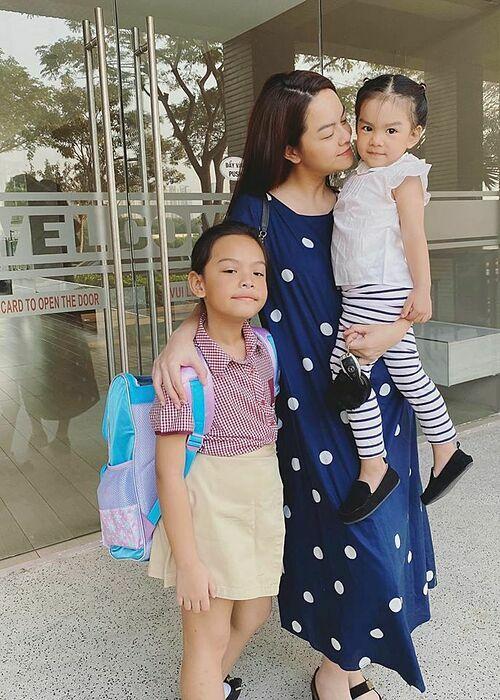 Phạm Quỳnh Anh dành trọn mộtngày để nghỉ ngơi bên hai con gáivà làm điều mình thích.