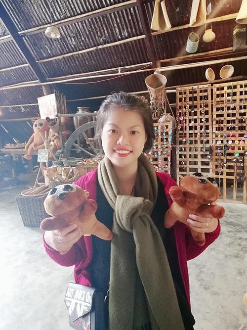 Châu Châu, 27 tuổi, là nhân viên văn phòng kiêm gia sư tiếng Anh. Cô từng không biết nấu nướng là gì cho tới khi trở thành mẹ và nhận thấy việc bếp núc là một thế giới hoàn toàn mới.