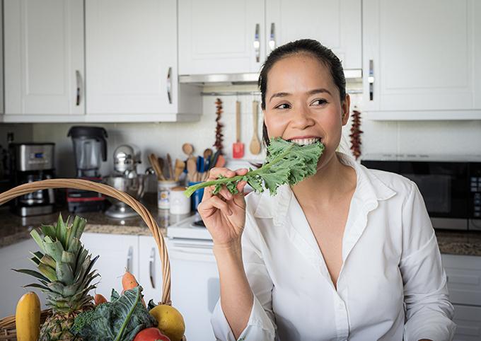Chế độ ăn nhiều rau xanh không chỉ tốt cho vóc dáng mà còn có lợi cho làn da, làm chậm quá trình lão hóa cơ thể.
