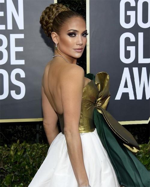 Trước đó, J.Lo được đề cử ở hạng mục tương tự tại Quả cầu vàng 2020 (ảnh) nhưng mất giải thưởng vào tay Laura Dern của phim Marriage Story. Nhiều người dự đoán cô sẽ có một suất tranh giải tại cuộc đua Oscar năm nay.
