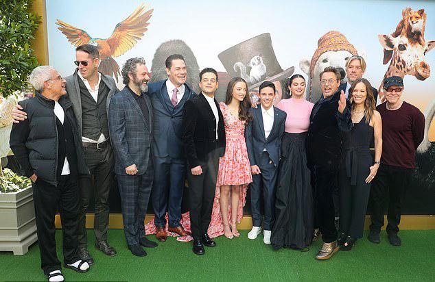 Đoàn làm phim Dolittle quy tụ trong buổi ra mắt phim.