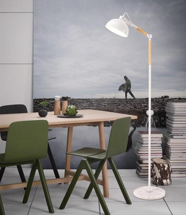 Đèn sàn trang trí Furnish làm từ chất liệu thép ống cứng sơn tĩnh điện kết hợp gỗ tự nhiên cao cấp. Sản phẩm có thể điều chỉnh độ cao, thấp, thay đổi hướng ánh sáng linh hoạt mà không cần di chuyển chân đế hay vị trí lắp đèn. Đèn sàn sử dụng bóng đèn led,loại đèn chống cận, có định hướng ánh sángtốt, giúp ánh sáng phản chiếu tập trung, không bị lãng phí. Ứng dụng công nghệ phun sơn tĩnh điện khô, bảo vệ môi trường, chống oxi hóa cho thân đèn. Tuổi thọ của đèn cây lâu dài hơn nhờ lớp sơn tĩnh điện, đèn không bị ảnh hưởng nhiều từ tác động môi trường, thời tiết. Đèn sàn phù hợptrang trí phòng khách, phòng đọc, giúp không gian sinh hoạt, học tập và làm việc của bạn trở nên hiện đại hơn, tiện nghi hơn.Thân đèn được chia làm nhiều đốt ngắngắn với nhau chắc chắn, thuận lợi cho việc di chuyển và cất giữ khi không dùng đến. Sản phẩm có giá 1,633 triệu đồng, giảm 15% so với giá gốc.