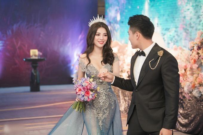 Rich kid Giang Lê và chồng Thái Bá Nam ở tiệc cưới.