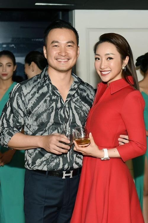 Lý Thùy Chang sánh đôi Chi Bảo tại sự kiện.