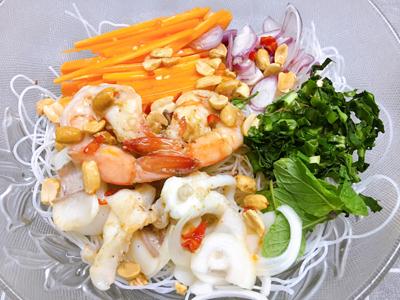 Bún gạo trộn hải sản - 4