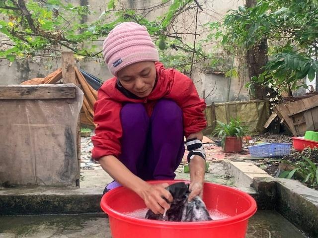 Gia đình cô Lê có 2 mẹ con đều phải chạy thận để duy trì sự sống. Ảnh: Nguyễn Ngoan