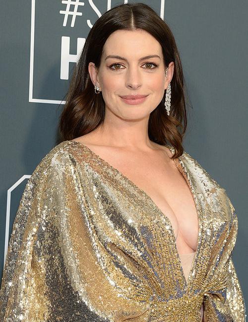 Nữ diễn viên 37 tuổi từng tâm sự, cô trải qua nhiều khó khăn mới có thai nên rất đồng cảm với những phụ nữ hiếm muộn. Người đẹp lần đầu làm mẹ năm 2016 sau 4 năm kết hôn.