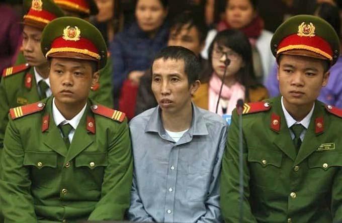 Bị cáo Bùi Văn Công bị tuyên 20 năm tù tại phiên sơ thẩm vụ án Mua bán trái phép chất ma túy sáng 27/11. Ảnh: CTV